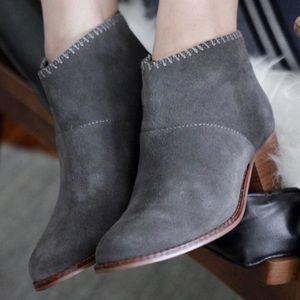 TOMS Leila Suede Gray Booties - 9